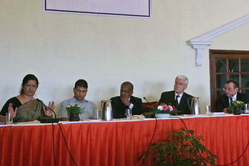 Consultation on the Constitutional Law in Nepal: Prof. Dr. Arnold (right); Frank Meyke, German Ambassador in Nepal (2.from right)  Consultation on the Constitutional Law in Nepal: Prof. Dr. Arnold (right); Frank Meyke, German Ambassador in Nepal (2.from right)