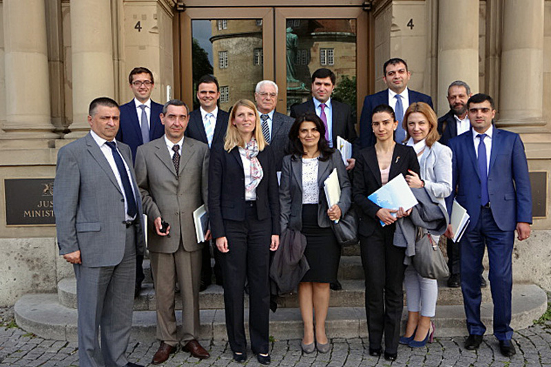 The delegation during their visit to the Ministry of Justice of Baden-Wuerttemberg. Back row from left: Public Prosecutor Dr A. Kees, Judge at the Regional Court Mr S. Ganninger; front row third from left: Dr M. Meßling, Judge at the Regional Social Court