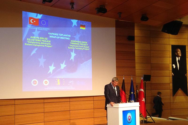 Kenan Ipek, Justizminister der Republik Türkei
