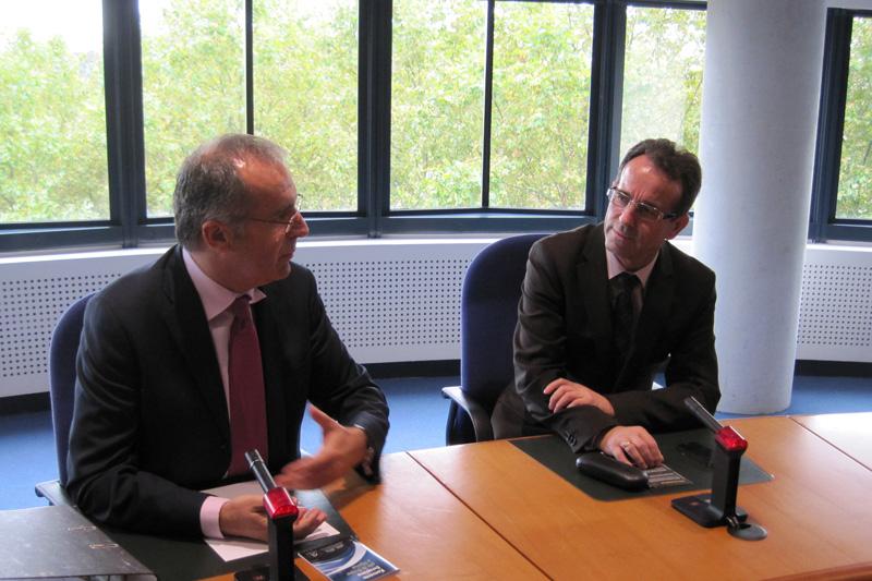 Ledi Bianku, für Albanien gewählter Richter am EGMR, und Fejzullah Hasani, Präsident des Obersten Gerichts Kosovo (rechts)
