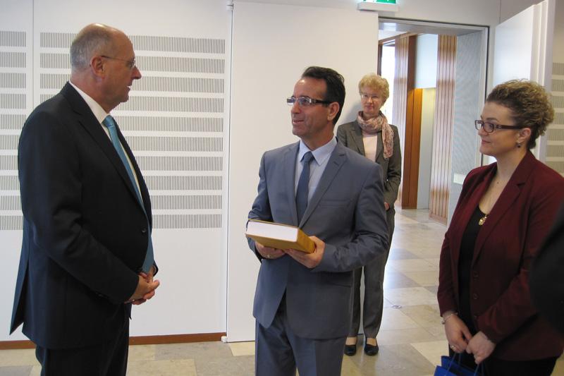 Prof. Dr. Ferdinand Kirchhof, Vizepräsident des Bundesverfassungsgerichts, Fejzullah Hasani, Prof. Dr. Doris König, Arta Rama-Hajrizi (v.l.n.r.)