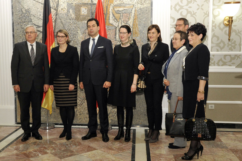 Group photo with Secretary of State Dr. Stefanie Hubig (2nd from left), Minister Zoran Pažin (3rd from left) and Ambassador Gudrun Steinacker (2nd from right)
