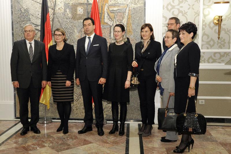 Gruppenbild mit Staatsekretärin Dr. Stefanie Hubig (2.v.l.), Minister Zoran Pažin (3.v.l.) und Botschafterin Gudrun Steinacker (2.v.r.)