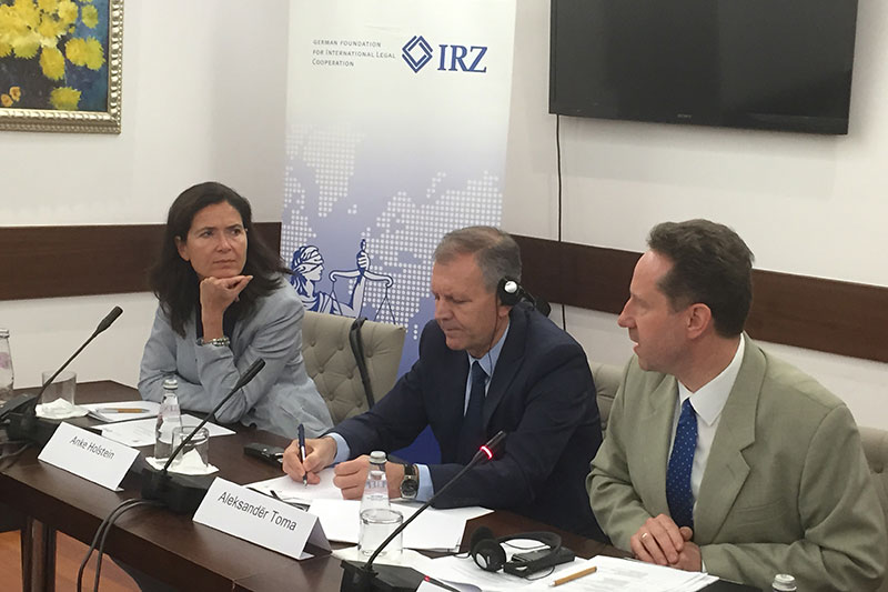 Anke Holstein, Deputy Ambassador for the Federal Republic of Germany in Albania; Aleksander Toma, Director of Cabinet; Prof. Dr. Jan Bergmann, Presiding Judge at the Administrative Court of Baden-Württemberg (left to right)
