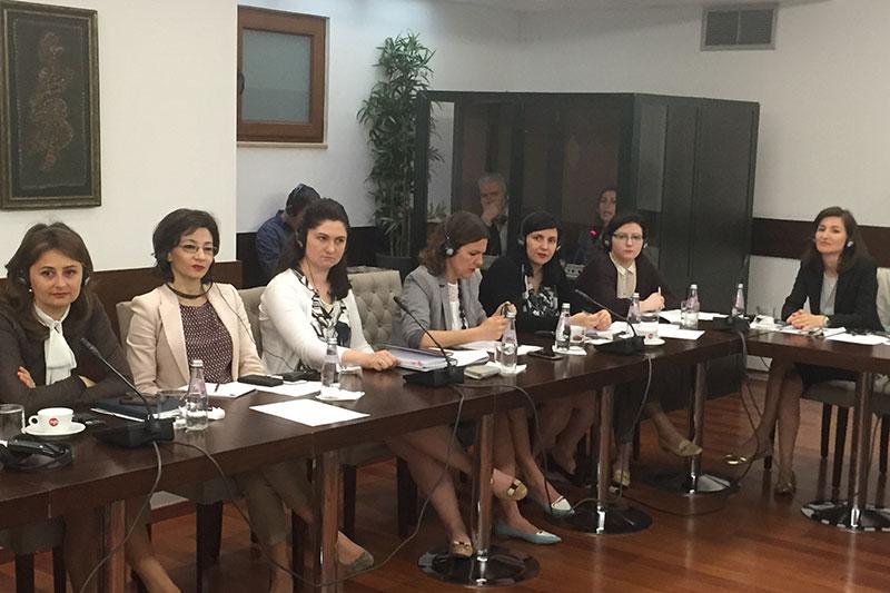 Mitarbeiterinnen und Mitarbeiter des albanischen Verfassungsgerichts