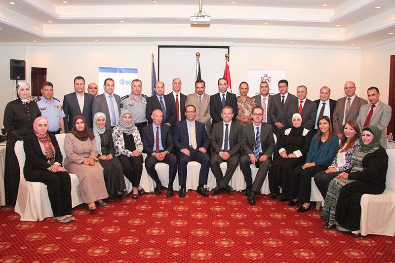 Teilnehmerinnen und Teilnehmer mit den Referenten