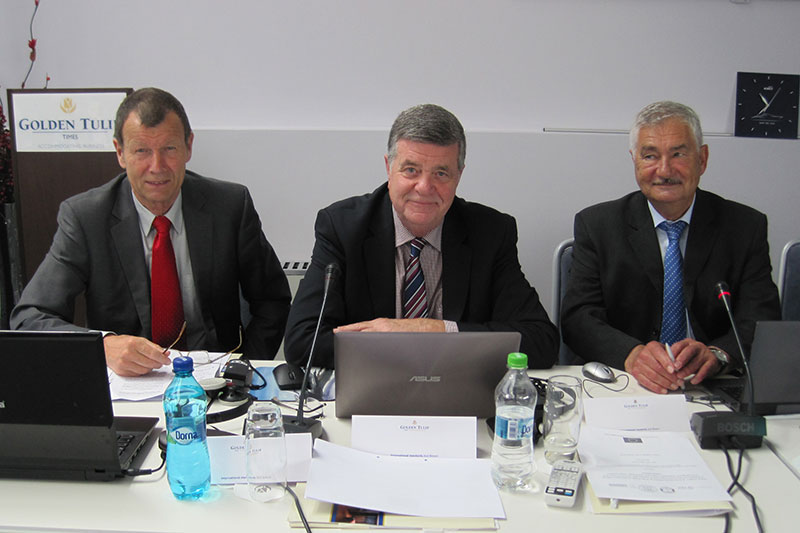 Norbert Weise, Generalstaatsanwalt a.D.; Hans Dieter Hilken, Kriminaldirektor a.D.; Walter Selter, Generalstaatsanwalt a.D. (v.l.n.r.)