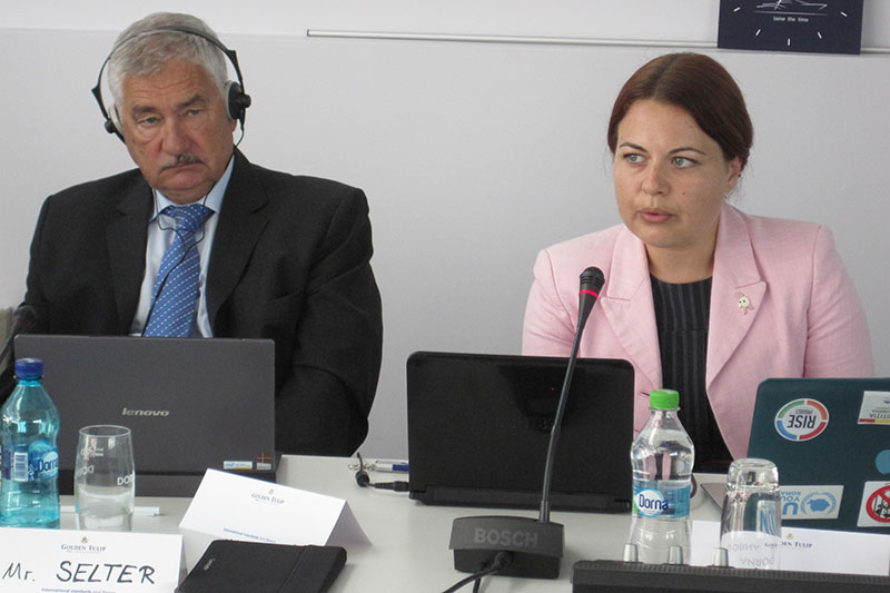 Alexandra-Carmen Lăncrănjan, spokeswoman for the Romanian public prosecutor's office (right)