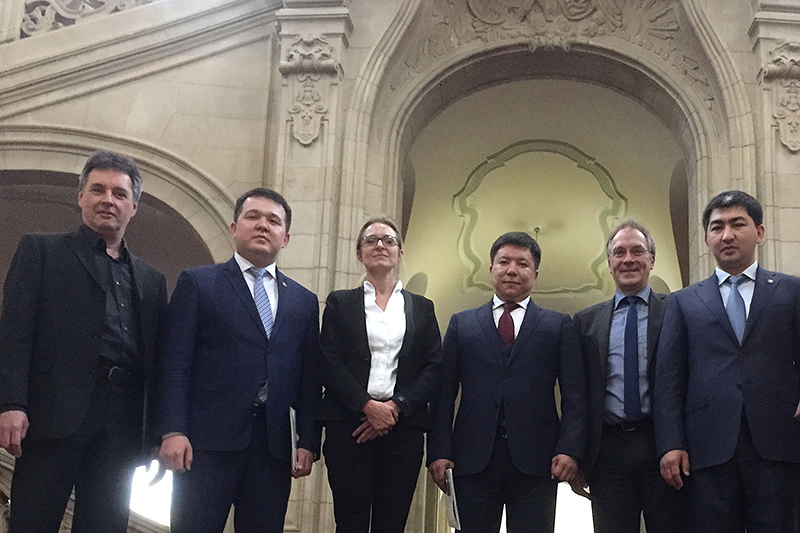 The Kazakh delegation at the Public Prosecutor