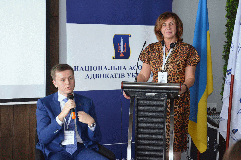 Lidiia Izovitova, NAAU President, and  Ivan Grechkivsky, Chairman of the NAAU Committee on International Cooperation, during the opening of the conference