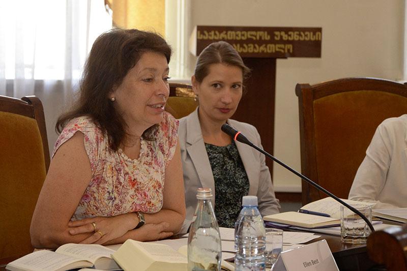 Ellen Best, Vize-Präsidentin des AG Bremen (links)