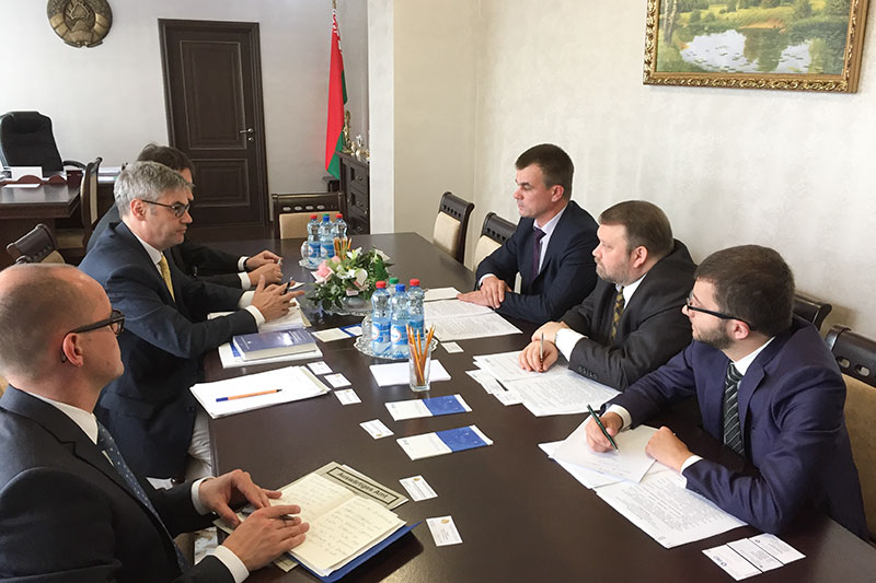 In discussions with Minister of Justice, Oleg Slizhevsky (on the right at the rear)