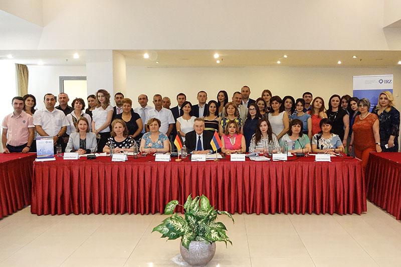 Teilnehmerinnen und Teilnehmer der Tagung