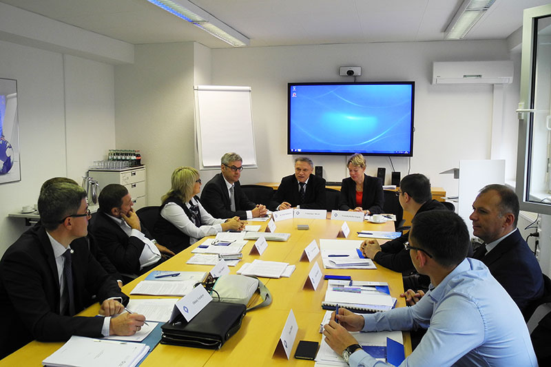 Begrüßung der Delegation durch die Geschaftsführung der IRZ