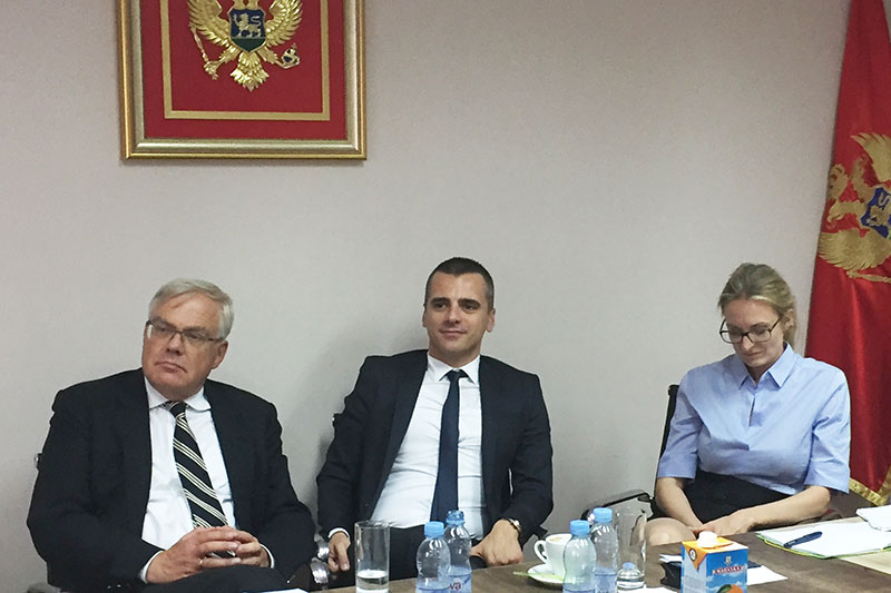 Michael Haußner, ständiger IRZ-Berater des montenegrinischen Justizministers; Srecko Rakocevic, Dolmetscher; Staatsanwältin Katja Anders (v.l.n.r.)
