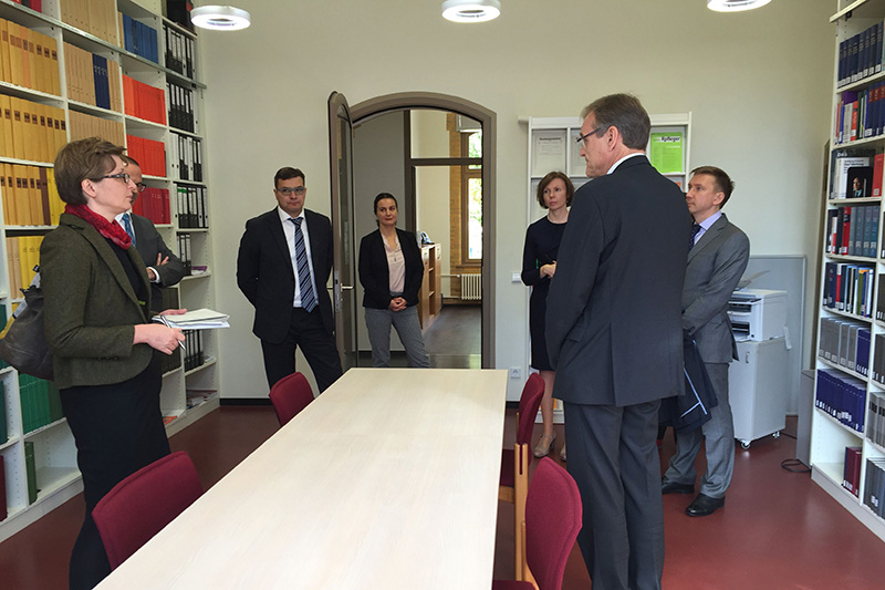 Guided tour of the Constitutional Court of the Federal State of Brandenburg - Library