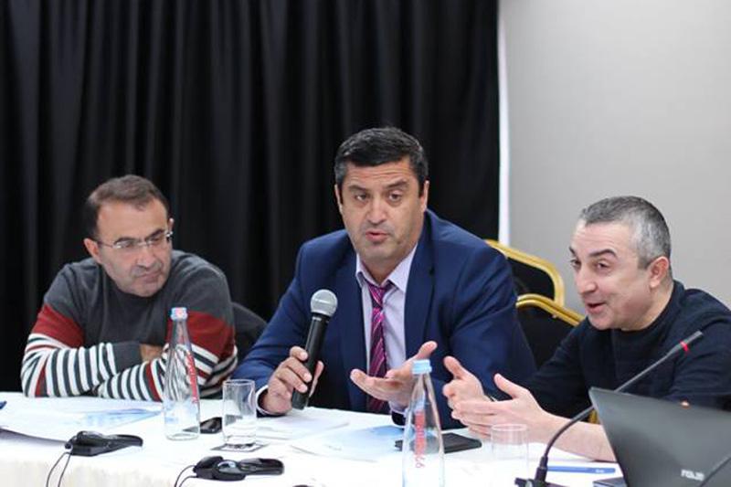 Rechtsanwalt Davit Lanchava, Georgische Rechtsanwaltskammer, Mitglied des Komitees für Handelsrecht (Bildmitte)