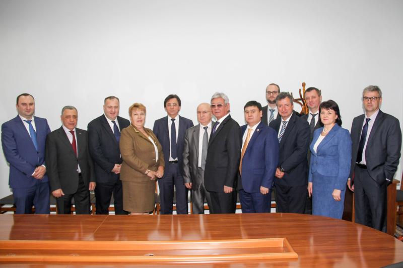 Die Vertreterinnen und Vertreter der nationalen Richterverbände