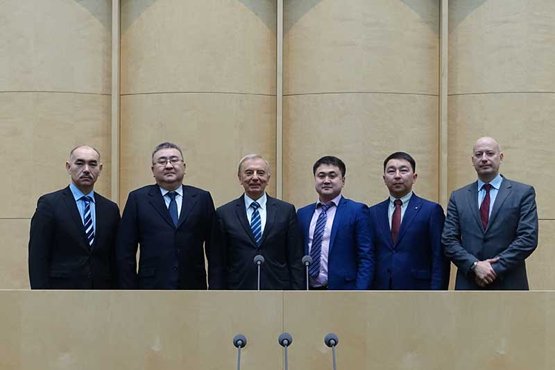 The Kazakh guests at the Bundesrat with Talgat Donakov (2nd from left), Deputy Head of the Presidential Administration, and Igor Rogov (3rd from left), Chairman of the Constitutional Council