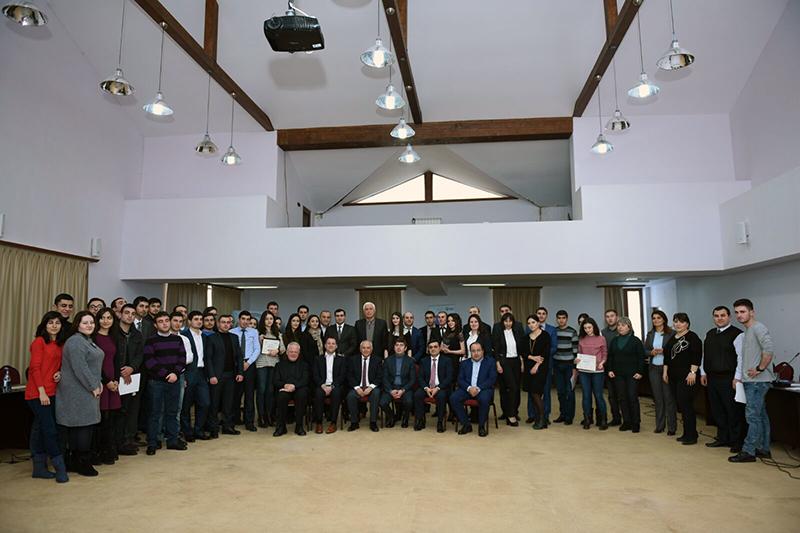 Teilnehmerinnen und Teilnehmer des Moot Court in Aghveran