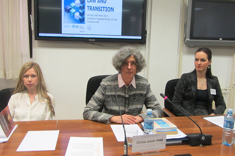 Dr. Dr. h.c. Christa Jessel-Holst (centre), Max Planck Institute Hamburg, during her lecture