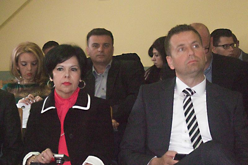 •Teilnehmerinnen und Teilnehmer der Veranstaltung