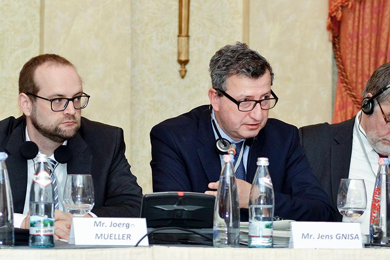 Jörn Müller (links), Richter am Amtsgericht Worms, und Jens Gnisa, Vorsitzender des Deutschen Richterbundes