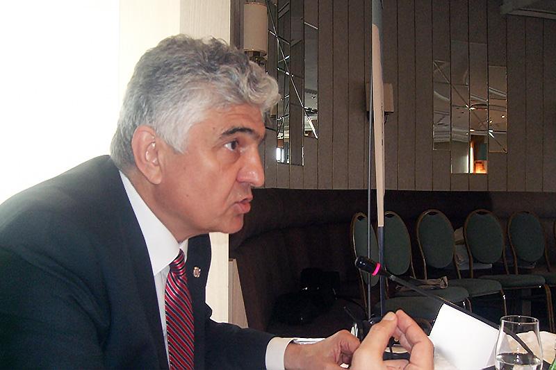Justizstaatssekretär Čedomir Backović bei seinem Grußwort