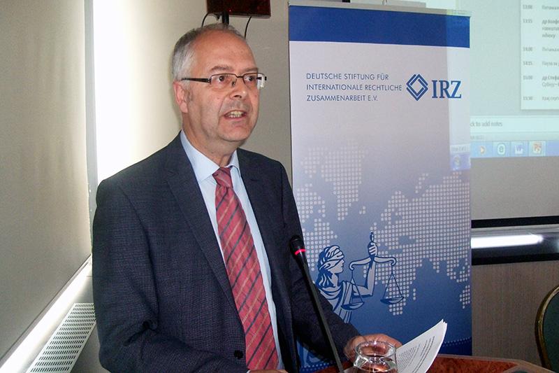 Dr. Wolfgang Janisch, Korrespondent der Süddeutschen Zeitung und Zweiter Vorsitzender der Justizpressekonferenz Karlsruhe e.V.