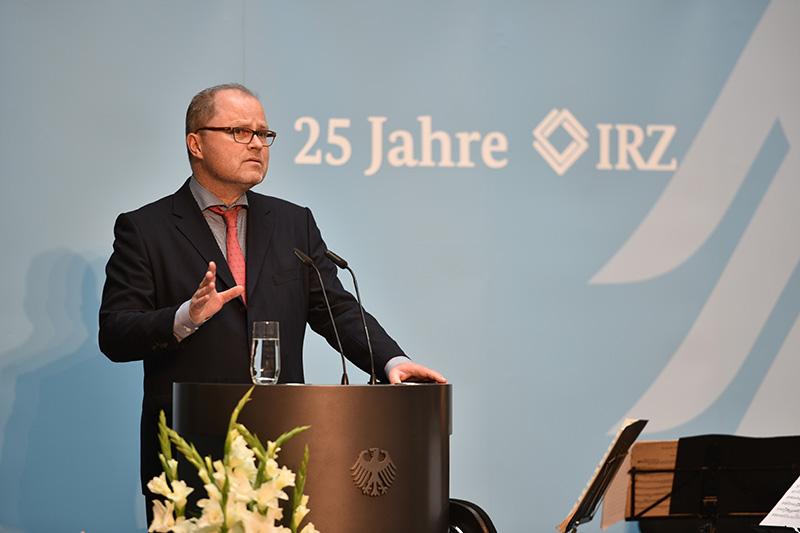 Christian Lange, Parlamentarischer Staatssekretär beim Bundesminister der Justiz und für Verbraucherschutz während seiner Rede