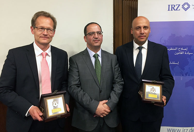 Dr. Arnd Weishaupt, a judge at the Higher Regional Court in Düsseldorf and IRZ speaker; Dr. Thaer Al Adwan, Director General of the Judicial Institute of Jordan; Mohamed Montasser Abidi, Head of Section at the IRZ (from left to right)