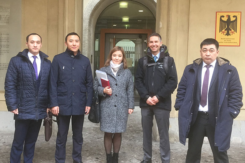 Aziz Imangaliyev, Yerkin Baltabayev, Bayan Parmankulova, Dr. Malek Radeideh (BMJV), Adilkhan Zhakenov (from left to right)