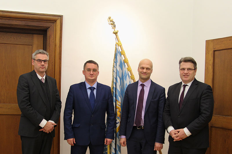 High-ranking delegation discusses commercial and civil law in Munich
