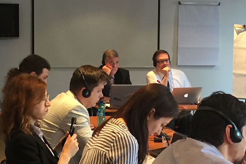 2Development of the guidance in Bucharest under the leadership of Hans-Dieter Hilken and Roland Weber (from left at the front of the table)