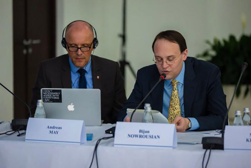 IRZ experts, Senior Public Prosecutor Andreas May (left) and Professor Dr. Bijan Nowrousian
