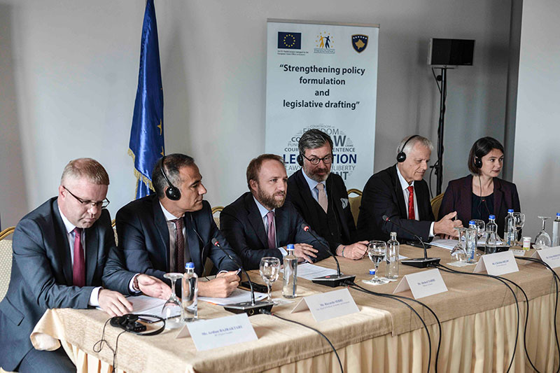 Ardian Bajraktari, Project Manager, Ministry of Justice for the Republic of Kosovo; Riccardo Serri, Acting Head of Office, EUO/EUSR in Kosovo; Abelard Tahiri, Minister of Justice for the Republic of Kosovo; Ambassador Christian Heldt, German Embassy in Kosovo; Ulrich Hermanski, Project Manager, IRZ; Dr. Julie Trappe, Resident Twinning Adviser, IRZ (from left to right)