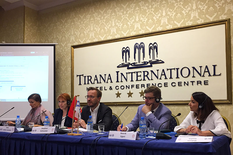 Dr. Veronika Horrer, Managing Director of the German Federal Bar Association; lawyers Anke Müller-Jacobsen and Stephan Schneider; Dr. Henrik Ligori, Albanian lawyer; Rezarta Abdiu, Bar Association of Albania (from left to right)