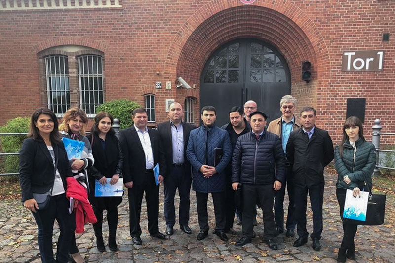 The Armenian delegation with Prof. Dr. Heinz Cornel (3rd from right) and Wolfgang Eichstädter (centre) from Alice-Salomon-Hochschule Berlin