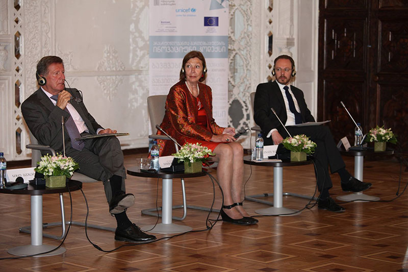 Presentation of Georgian criminal law on young people: EU Ambassador Janos Herman, team leader Renate Winter and Sascha Graumann, UNICEF Georgia Representative (left to right)