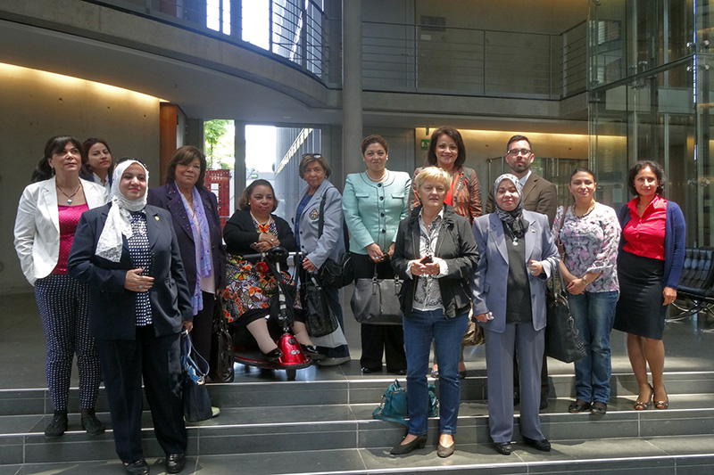Visit to Berlin by a high-ranking delegation on the topic of women's rights from 4 to 9 September: Discussions with the Chairperson of the Committee on Legal Affairs and Consumer Protection in the German Bundestag, MP Renate Künast (front row centre)