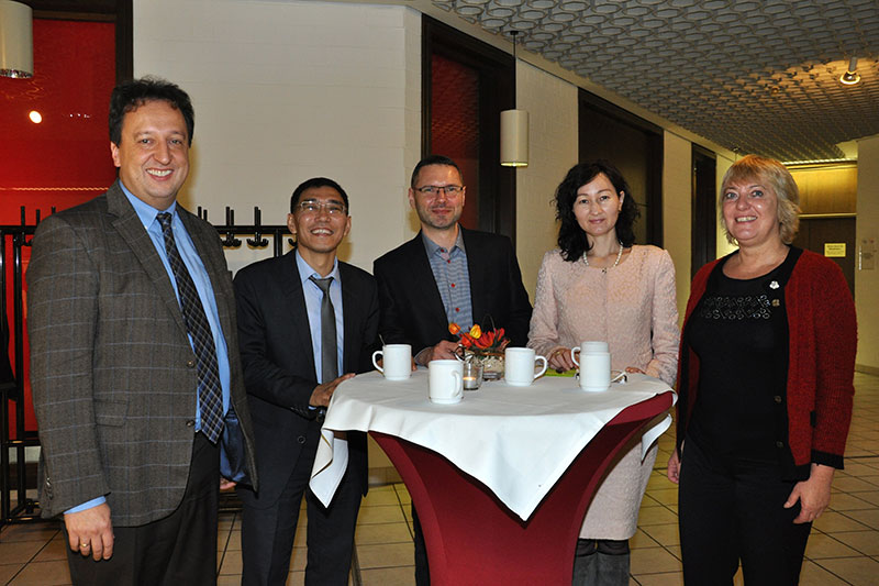 Participants of the German-speaking internship programme for judges and public prosecutors at the introductory seminar in Königswinter with Mr. Alexander Fühling, judge at the local court of Bonn, as speaker (on the left)