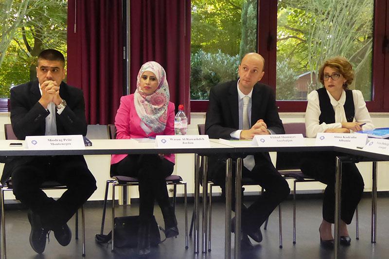 Teilnehmerinnen und Teilnehmer des Hospitationsprogramms für englischsprachige Zivil- und Handelsrichter
