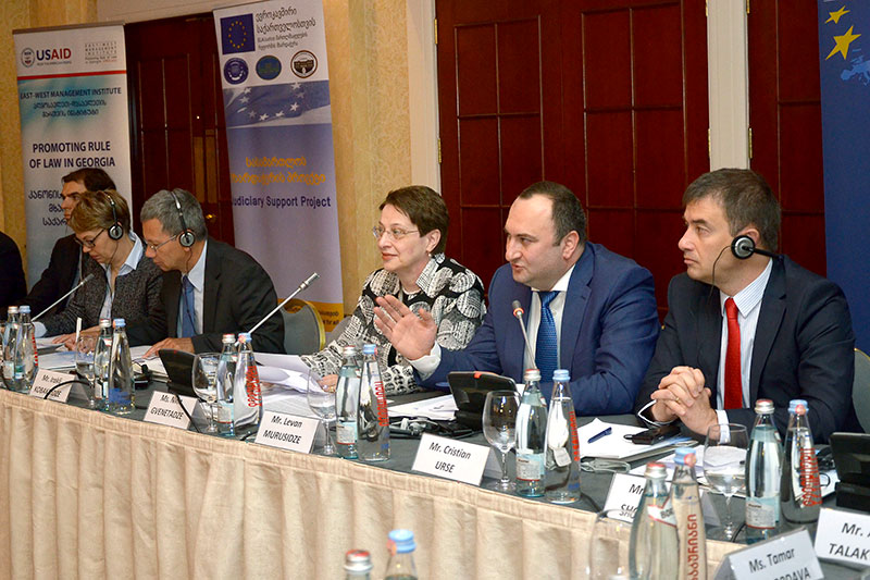Conference of the Memorandum Group of Associations of Judges in Tbilisi: Veronika Keller-Engels, General Director of the IRZ; Joachim Hecker, Head of the Division for Business as well as Legal and Consular Affairs at the German Embassy; Prof. Dr. Nino Gvenetadze, President of the Supreme Court of Georgia; Levan Murusidze, Member of the High Council of Justice of Georgia; Christian Urse, Council of Europe (presidium from left to right)